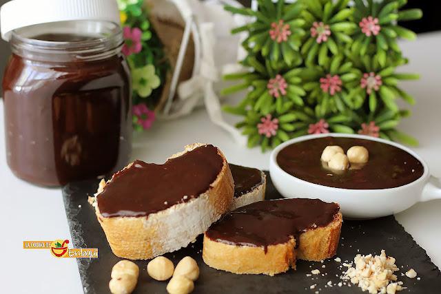 Nutella casera o crema de cacao y avellanas