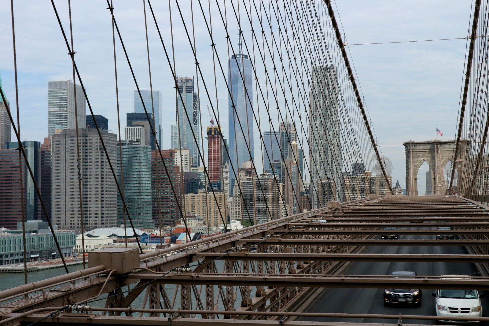 best time to walk the brooklyn bridge