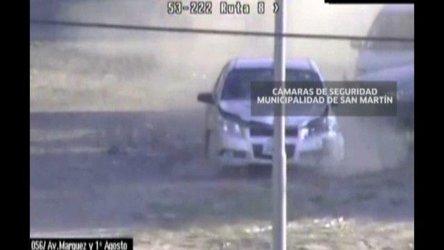 Mãe e bebê sobrevivem após serem atropeladas por ladrões que fugiam da polícia