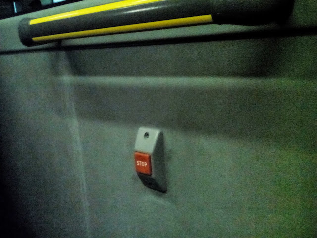 Bus 384: Aquest vespre sense panell informatiu i sense adhesiu indicador de reserva preferent per Persones amb Mobilitat Reduïda.