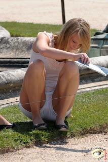 chicas-lindas-enseñando-piernas