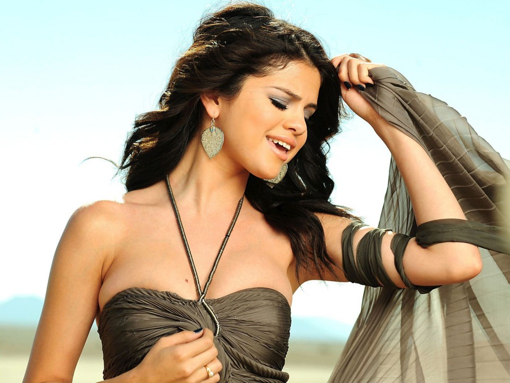 All Wallpapers: Selena Gomez new Hot HD Wallpapers 2012