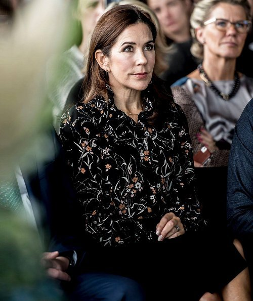 Crown Princess Mary wore Isabel Marant Sloan Leaf Print Silk Blouse, Gianvito Rossi pumps and she carried Bottega Veneta Veneta Maxi Hobo Bag