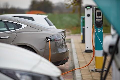 ITM: elektromos járművekkel segíti a segélyszervezeteket