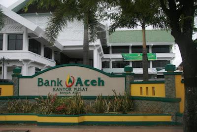 Bank Aceh dari sistem konvensional ke syariah