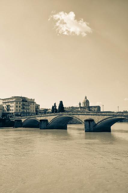 Fiume Arno-Firenze