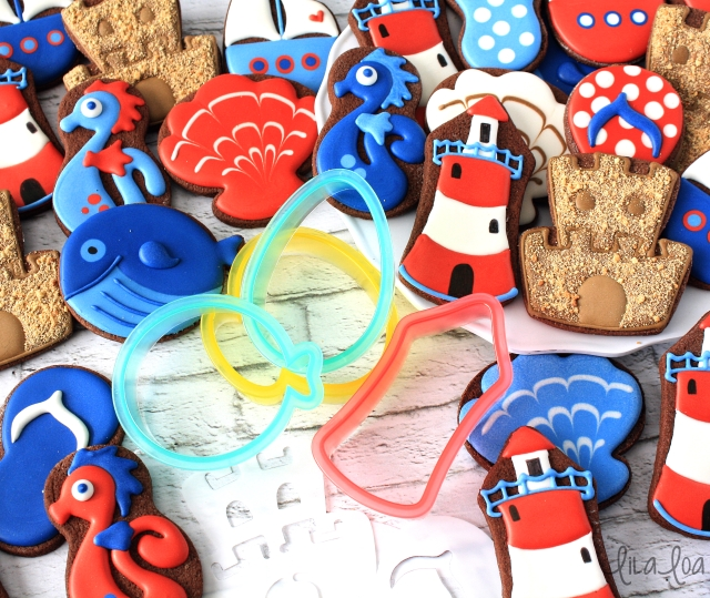 Video cookie decorating tutorial for sugar cookie lighthouses!