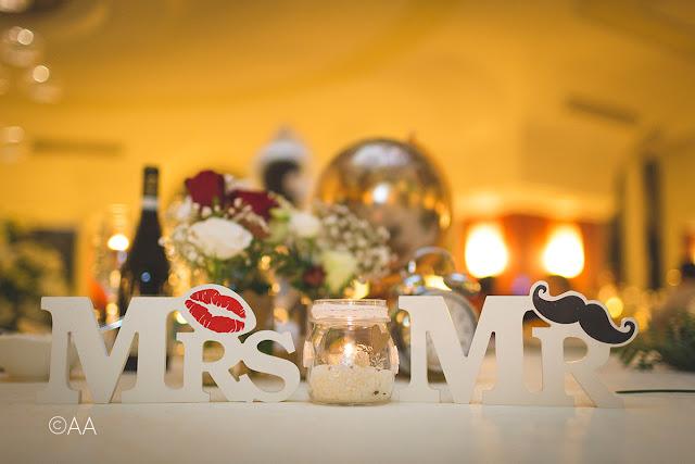 Tavolo sposi matrimonio candele e fiori