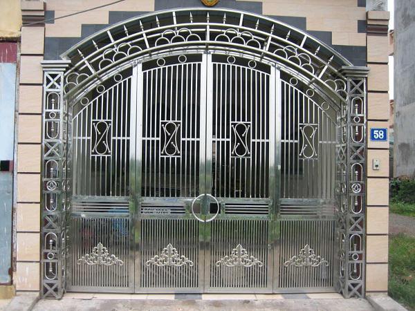 cổng inox 4 cánh đẹp - mẫu 12