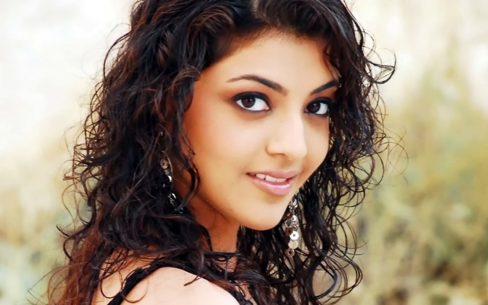 Kajal Agarwal Hd Wallpapers: The Title Of Your Home Page