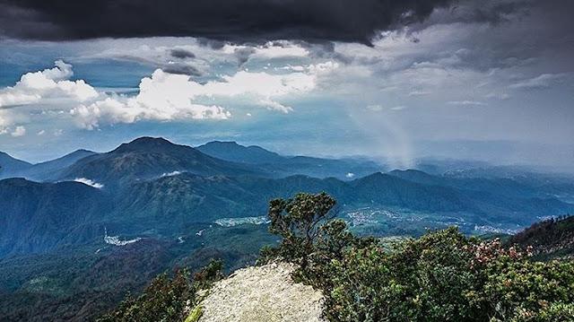 Gunung Lawu - Tempat Wisata di Jawa Tengah