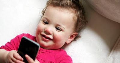วิจัยเผย เด็กเล่นสมาร์ทโฟนมาก ๆ ทำให้หลับยาก พักผ่อนน้อย