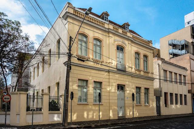 Sede histórica da Federação Espírita do Paraná na Rua Saldanha Marinho
