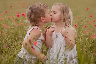 cute-wala-love-kissing-scene-of-little-children