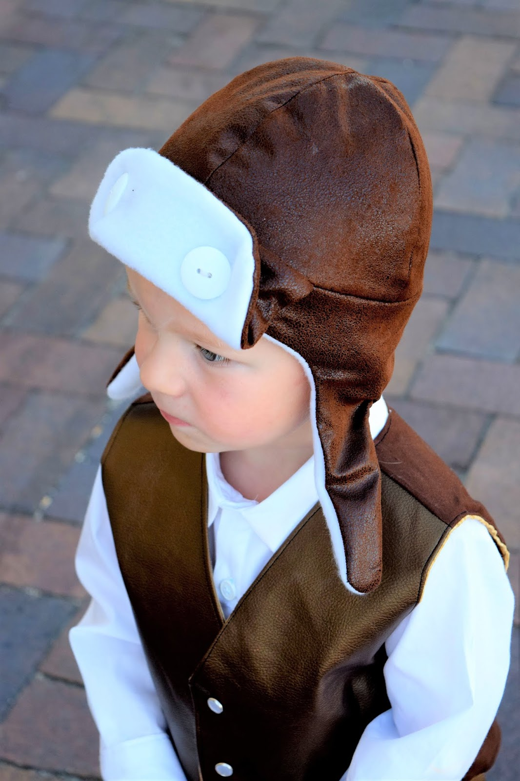 I ve always loved the look of aviator hats. They are a little form fitting  and sung but they look comfortable and fluffy on the inside. b4df80c73f7