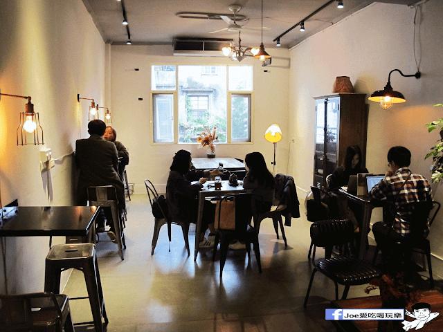 IMG 6198 - 【新竹美食】百分之二 咖啡 / 2/100 CAFE 一百種味道 二店,用餐環境可是寬廣,甜點也很精緻好吃!