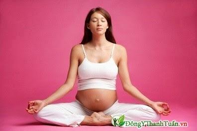 Tập yoga để giảm đau thắt lưng khi mang thai