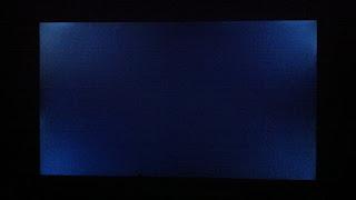 tivi samsung Màn hình đen thui, mặc dù vẫn có đèn báo nguồn.