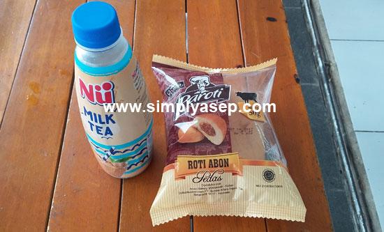 MAHAL : Kalau keseringan snack keren semacam ini bisa menguras kantong anda. Bijaklah dalam membeli jajanan snack berharga mahal. Foto Asep Haryono