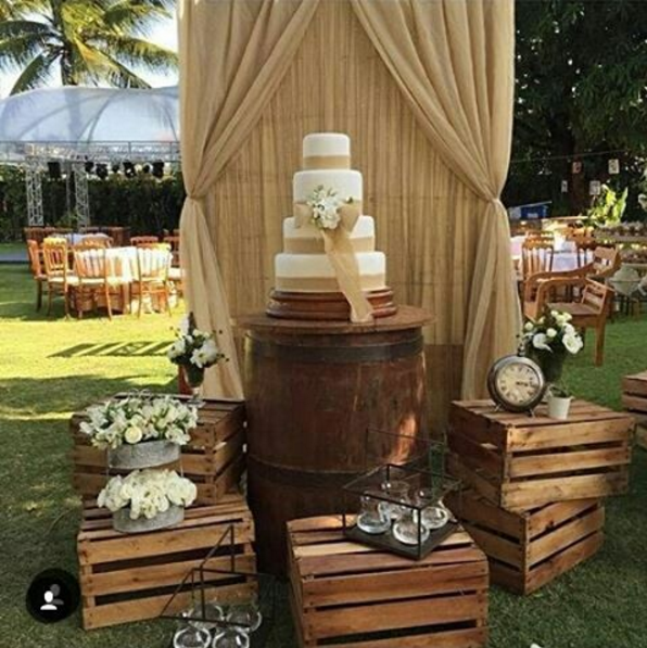 101 fiestas una fiesta rustica y campestre con barriles for Decoracion rustica para bodas