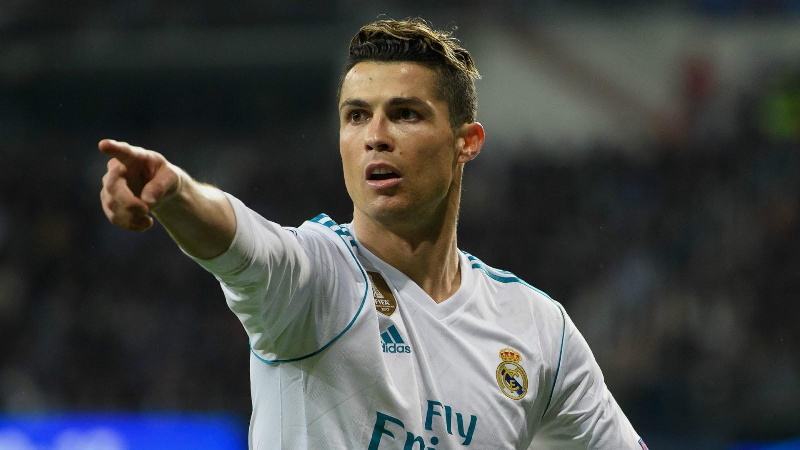 Ronaldo-vuot-qua-Xavi-de-lap-ky-luc-Champions-League