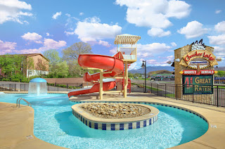 Heated pool condo Pigeon Forge