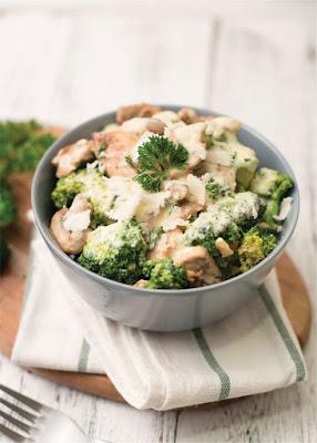 Keto Chicken and Broccoli Alfredo Casserole Recipe