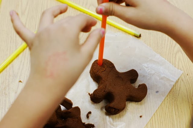 How to Make Cinnamon Christmas Ornaments Image