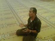 Berdoa Dengan Mengangkat Tangan