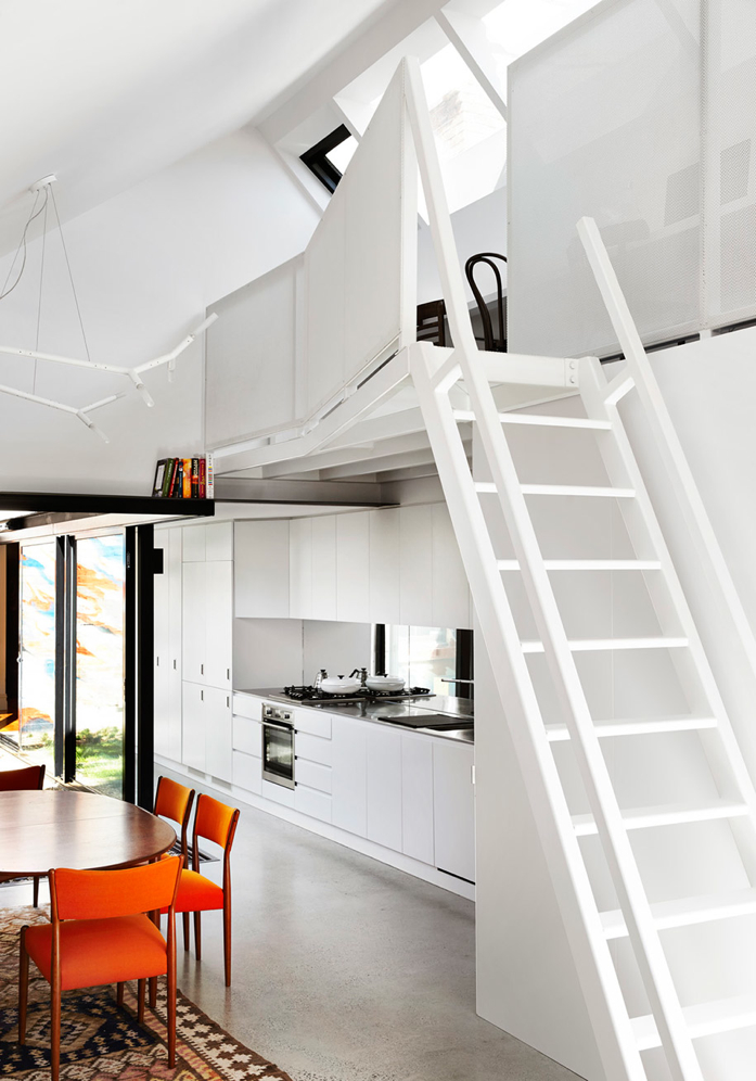 Alfred House Embraces Color Pop and Genius Design/Austin Maynard Architects