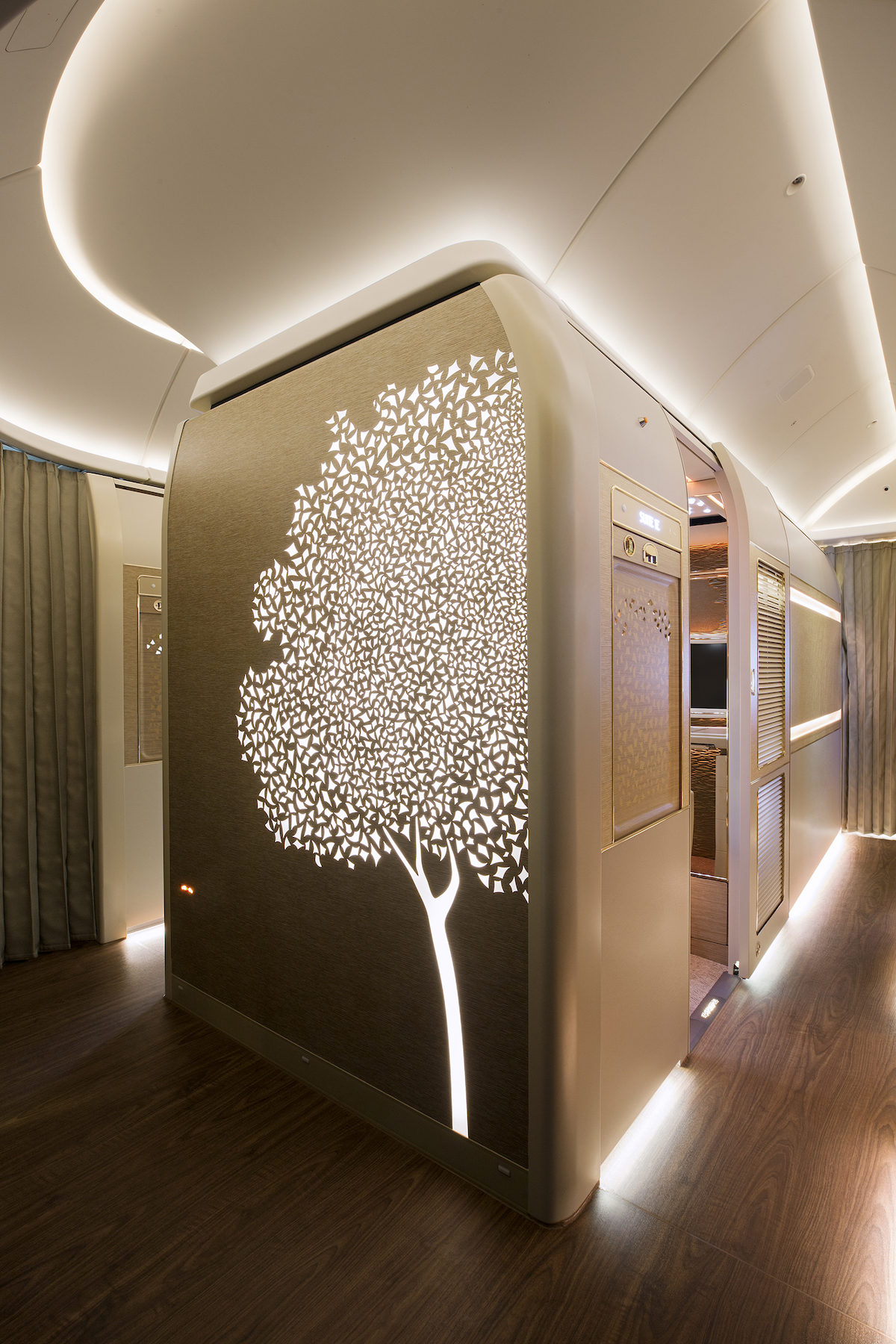 EMIRATES AIRLINE UNVEILS THEIR BREATHTAKING FIRST CLASS REMODEL ON THE BOEING 777