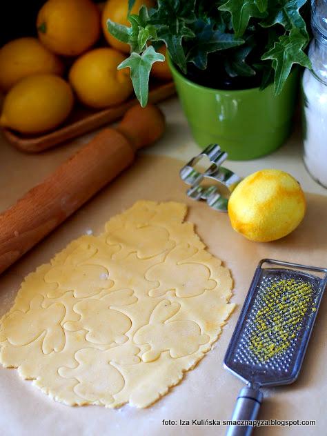 ciastka, zajaczki, foremka, ciasto kruche, z cytryna, wycinanie, ksztalt