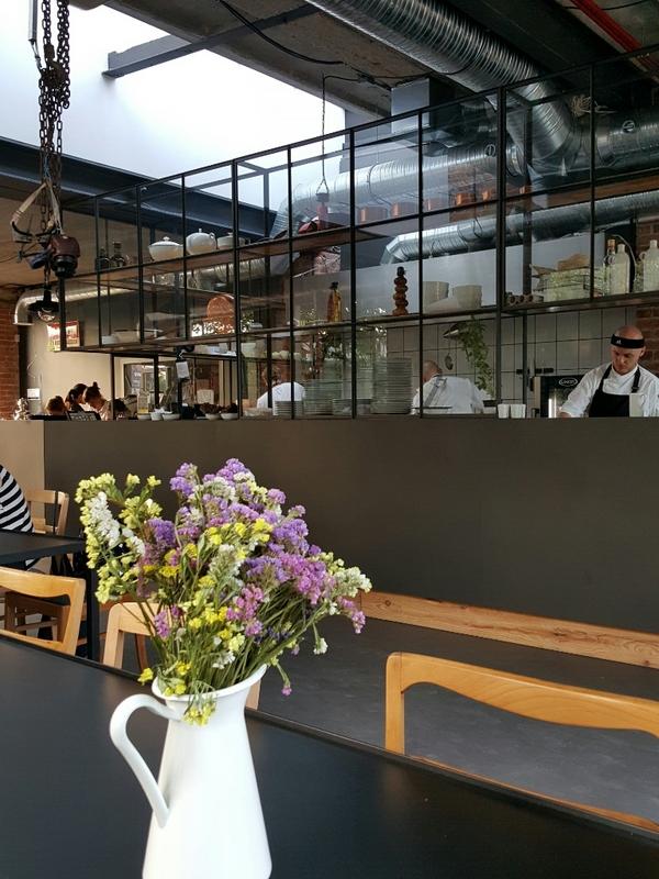 Wspaniały Restauracja Warsztat Food & Garden we Wrocławiu QG83