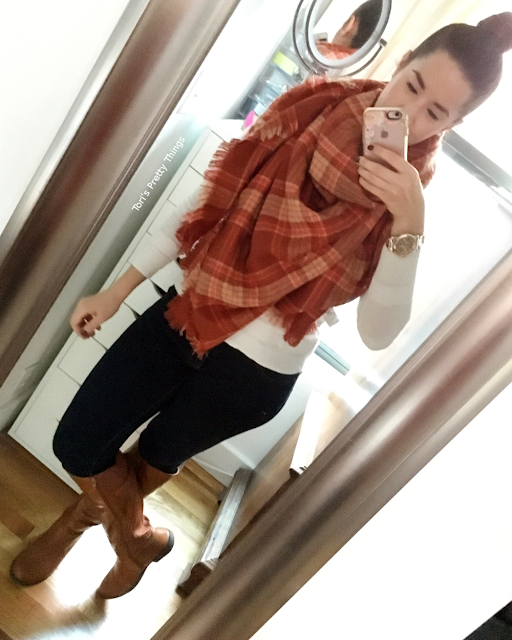 Tori's Pretty Things // Blanket Scarf, Casual Look