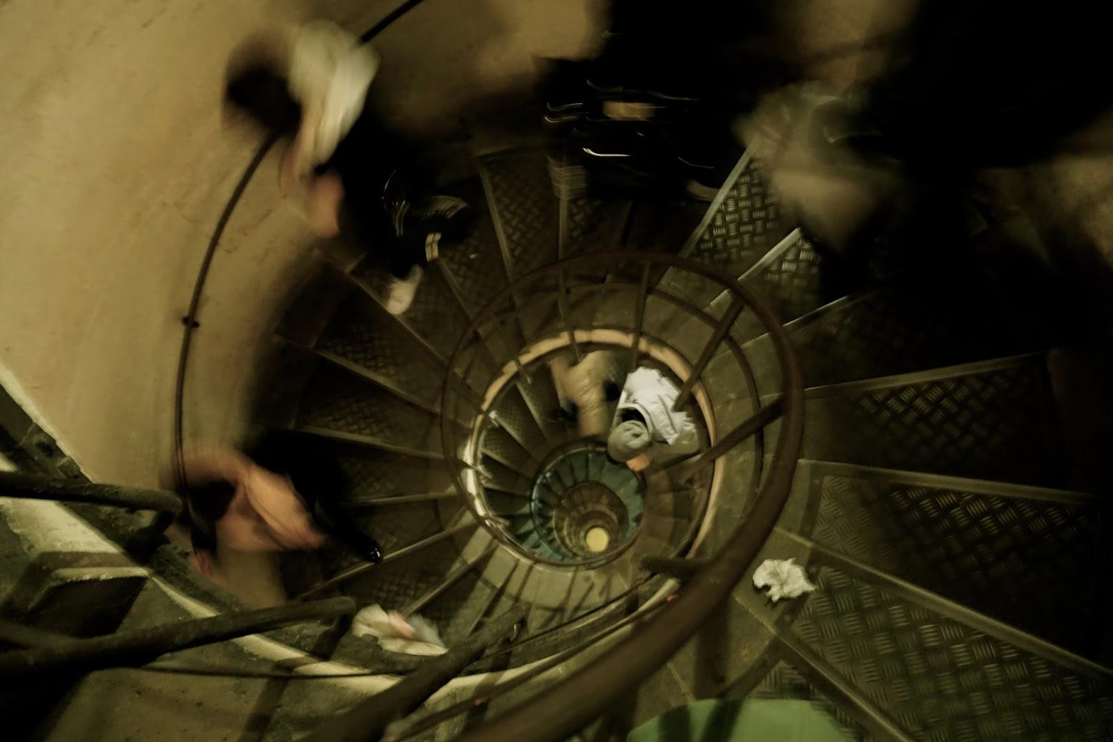 エトワールの凱旋門(Arc de triomphe de l'Étoile) 螺旋階段