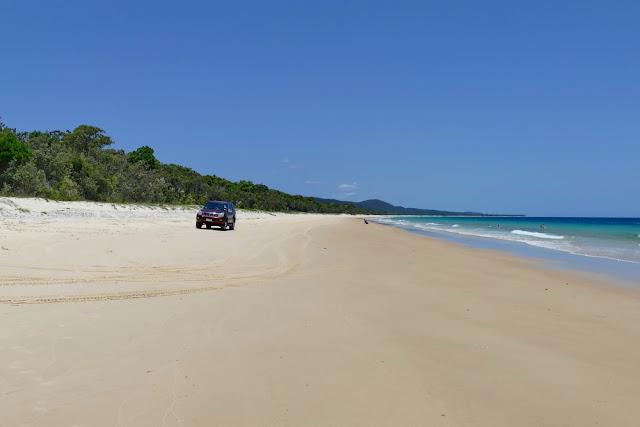 4x4 4WD Auto Strand Strasse Meer Insel Moreton Island fahren