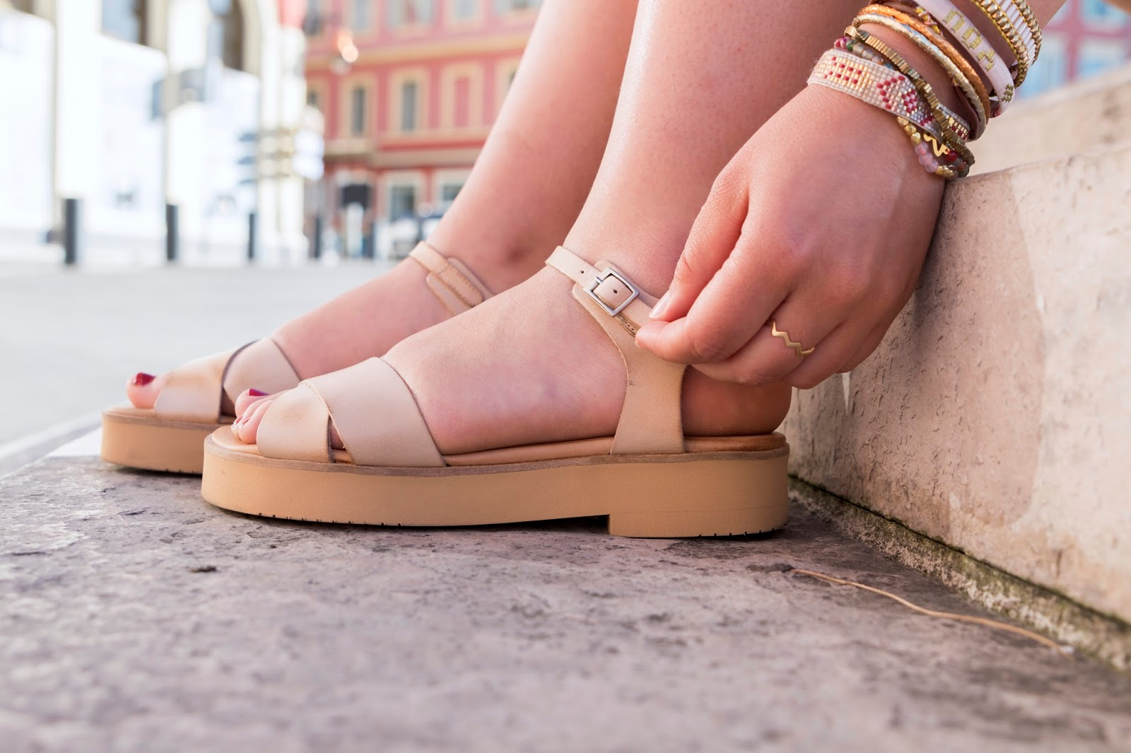 sandale plate beige