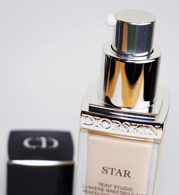 Dior - Diorskin Star Foundation (010 Ivory)