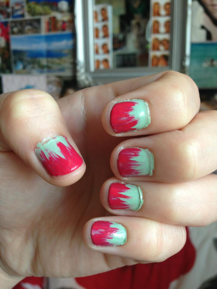 PINK AND GREEN FEATHER EFFECT NAILS