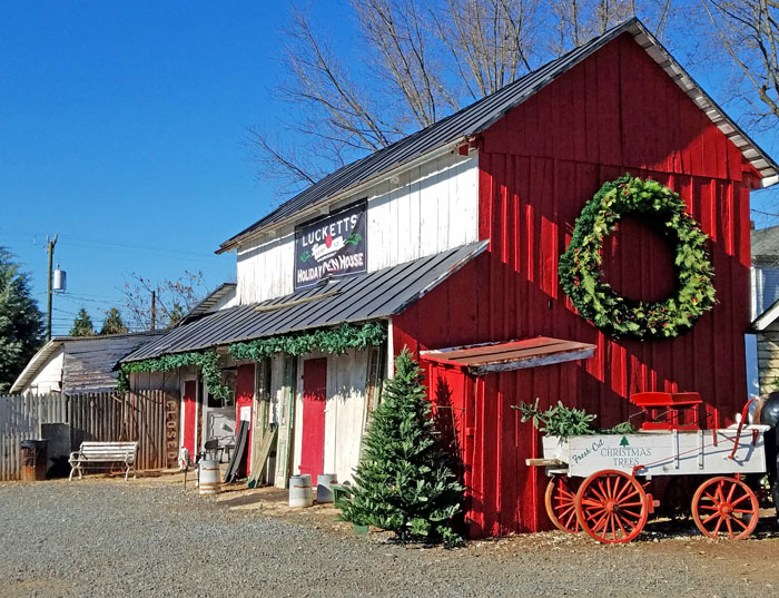 Old Lucketts store Christmas decor - Red barn