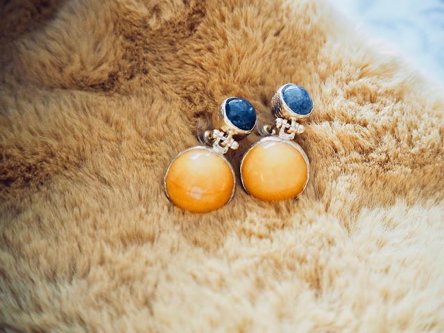 photo-pendientes-casilda-finat-piedras-mostaza-azul