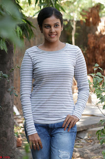 Actress Chandini in ed Tight Top at Ennodu Yilayadu tamil movie press meet ~  43.jpg