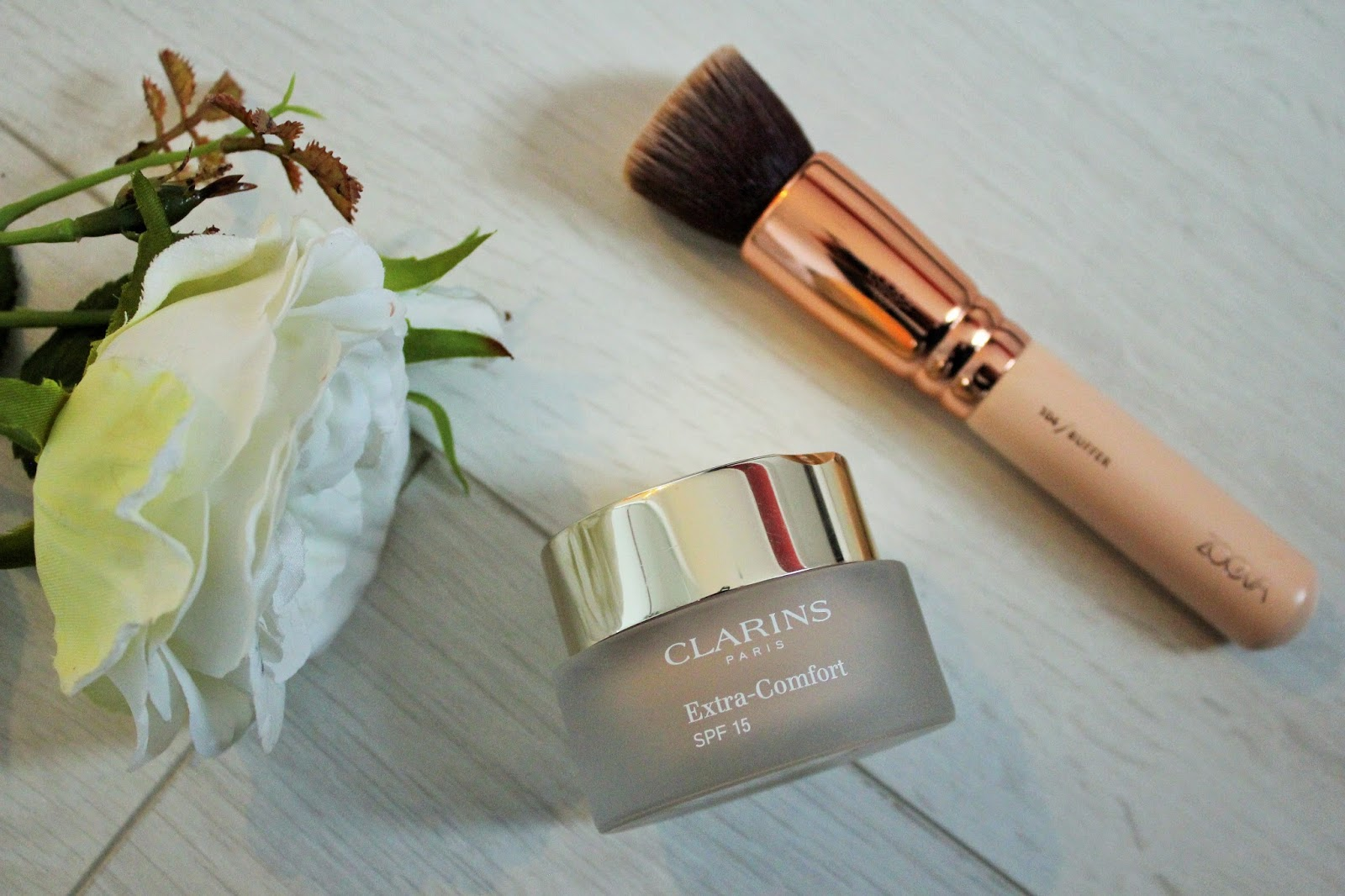 February Favourites 2017 - 6 - Clarins Extra Comfort Foundation and Zoeva Buffer Brush