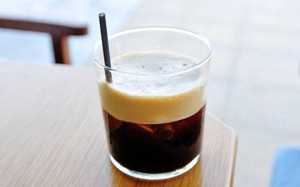 Περιορισμός στα πλαστικά με οικονομικό όφελος σε 186 καταστήματα καφέ.