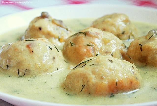 Pulpeciki drobiowe w sosie pieczarkowo - koperkowym