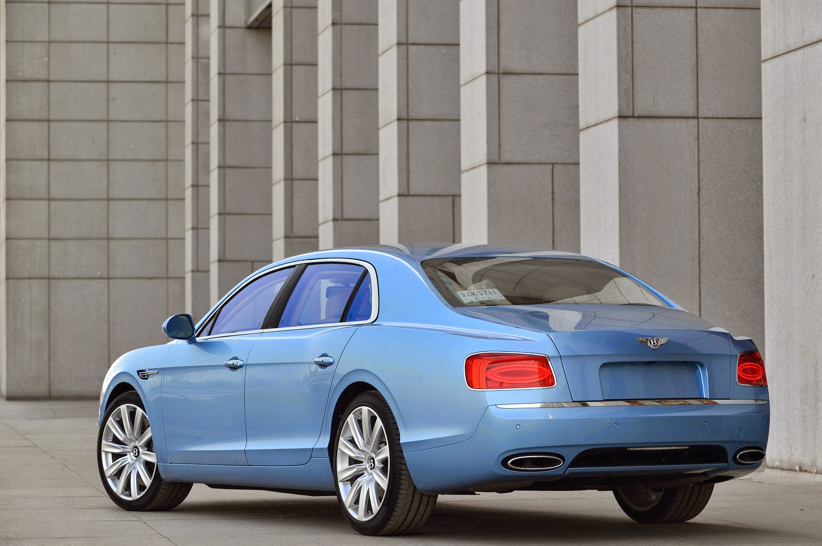 Bentley Flying Spur V8 Back View Image