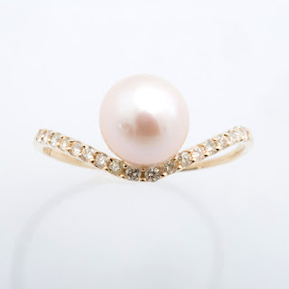 https://www.amazon.in/gp/search/ref=as_li_qf_sp_sr_il_tl?ie=UTF8&tag=fashion066e-21&keywords=single pearl ring&index=aps&camp=3638&creative=24630&linkCode=xm2&linkId=588f026021d8e01ad0651ed4cb0f5723