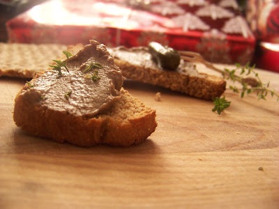 Chicken liver paté: #SundaySupper is home for the holidays