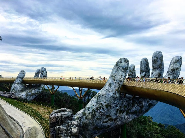 Golden Bridge, Da Nang wins special award at the 2018 Guide Awards