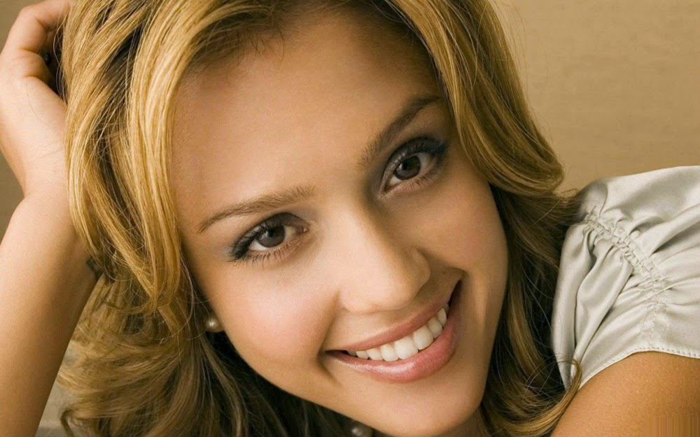 Jessica Alba Is An American Top Model And Actress Was Born On April 28 1981 In Pomona California Her Father Mexican Mother